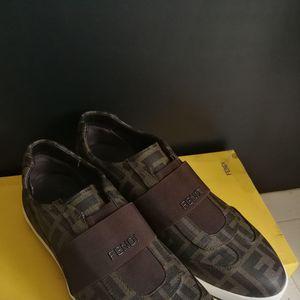 FENDI 芬迪一脚蹬皮鞋