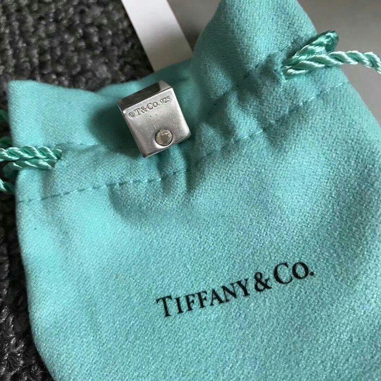 Tiffany & Co. 蒂芙尼绝版1837方形立体锁吊坠