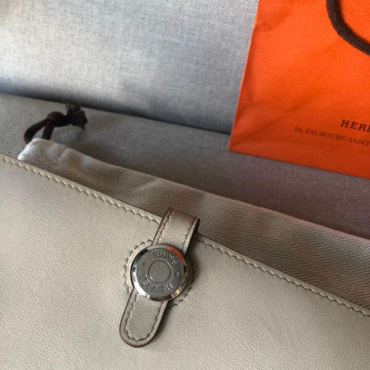 Hermès 爱马仕经典款钱包