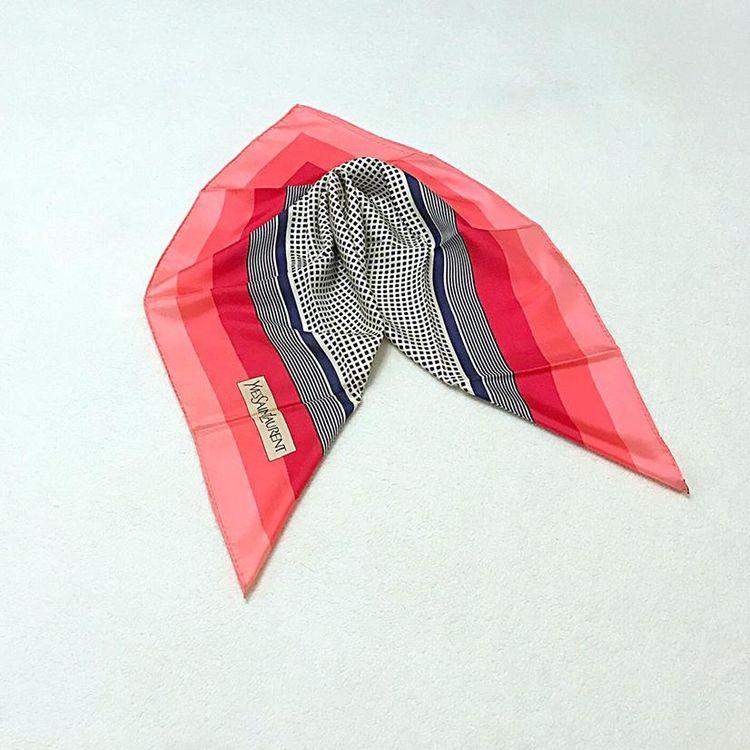 Yves Saint Laurent 伊夫·圣罗兰真丝大方巾