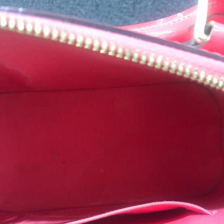 Louis Vuitton 路易·威登女士漆皮almabb贝壳包