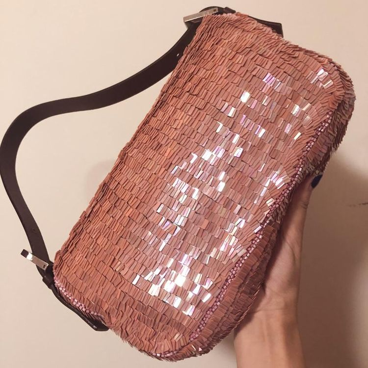 FENDI 芬迪粉色亮片钉珠法棍手提包