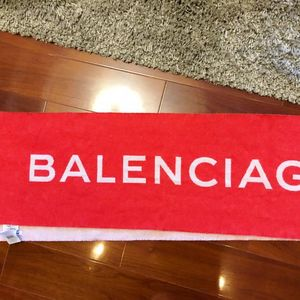 Balenciaga 巴黎世家羊毛双面字母红底白字logo围巾