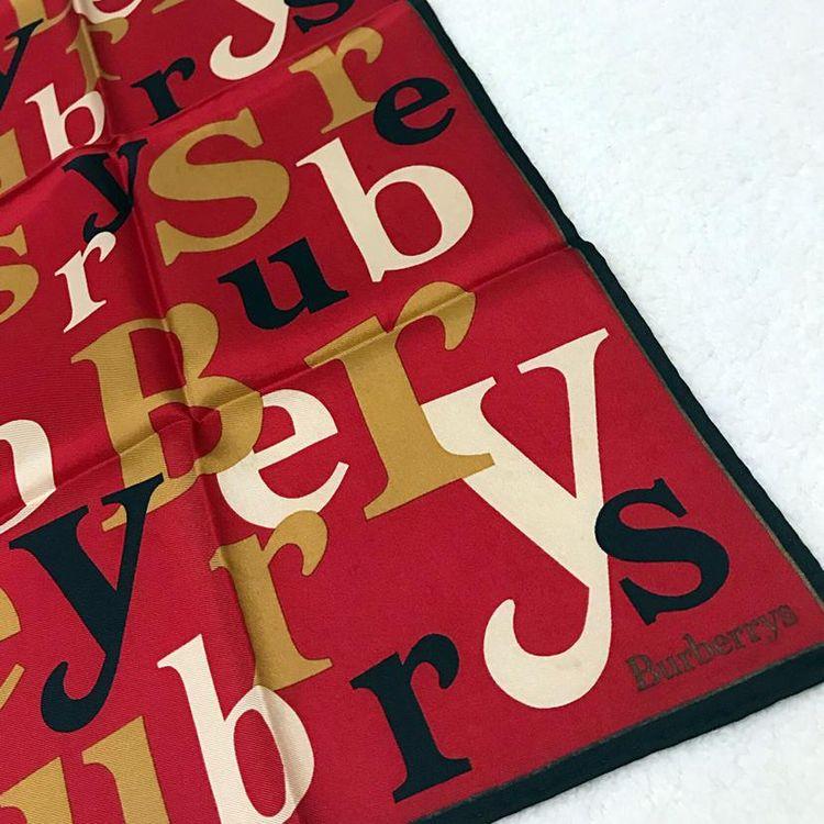 Burberry 博柏利真丝小方巾