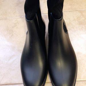 GIVENCHY 纪梵希条纹靴子