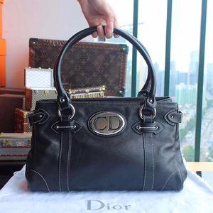 Dior 黑色牛皮手提包