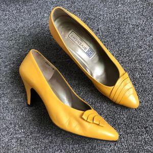 GIVENCHY 纪梵希中跟鞋