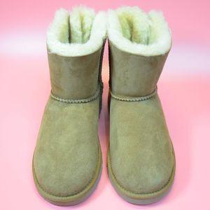 UGG  女士靴子