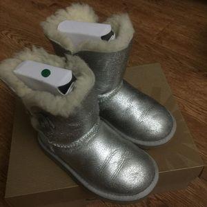 UGG 儿童雪地靴