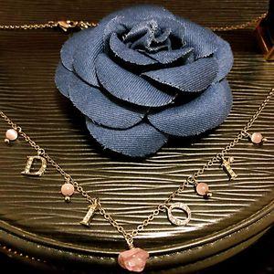 Dior 迪奥镶钻字母标猫眼石锁骨链