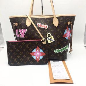 Louis Vuitton 路易·威登徽章中号老花女士单肩手提包