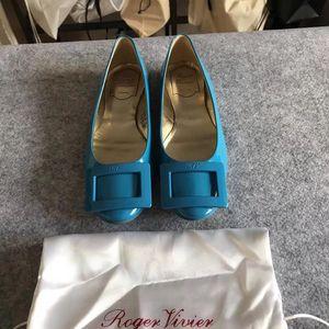 Roger Vivier 罗杰·维维亚平底鞋