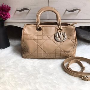 Dior 迪奥米色金扣波士顿手提包