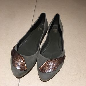 Melissa 卡其绿翅膀平底鞋