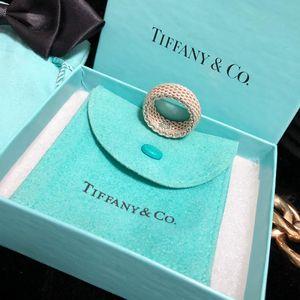 Tiffany & Co. 蒂芙尼限量款重工编织指环