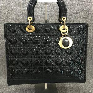 Dior 迪奥黑金七格漆皮手提包
