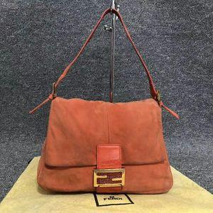 FENDI 芬迪麂皮法棍手提包