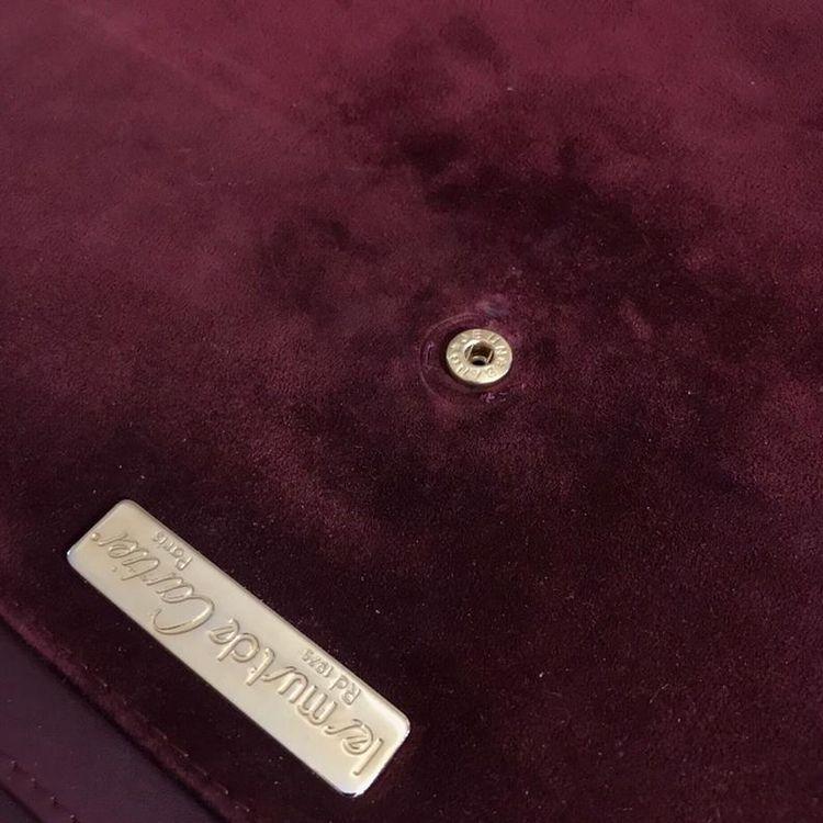 Cartier 卡地亚波尔多红麓皮手拿包