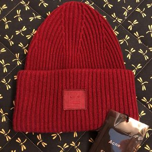 Acne Studios 艾克妮红色笑脸羊毛帽子