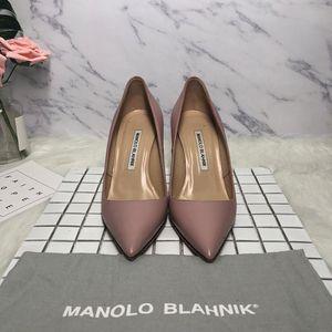 Manolo Blahnik 马诺洛粉色纯皮高跟鞋