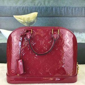 Louis Vuitton 路易·威登漆皮红色手提包