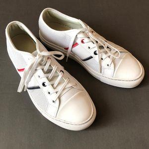 LACOSTE 鳄鱼经典款小白鞋