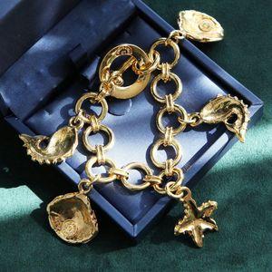Celine 赛琳海星海螺贝壳手链