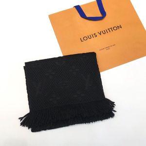 Louis Vuitton 路易·威登炭黑色围巾