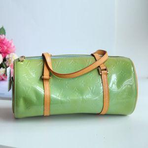 Louis Vuitton 路易·威登翠绿漆皮配皮小圆筒中古手提包