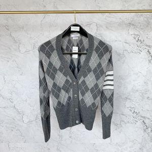 Thom Browne 汤姆·布朗女士菱形格子纹羊毛开衫