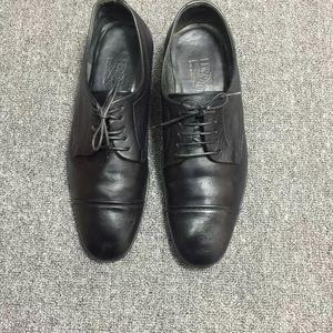 Ferragamo菲拉格慕正品男士皮鞋。