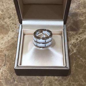 CHANEL 香奈儿18k白金间白陶瓷戒指