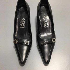 Ferragamo 菲拉格慕女士中跟鞋