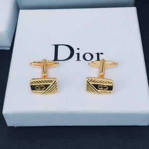 Dior 迪奥经典袖扣
