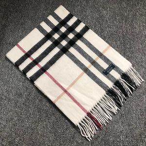 Burberry 博柏利经典大格子白色羊绒围巾