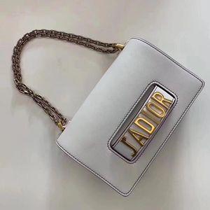 Dior 迪奥白色小牛皮翻盖式单肩包