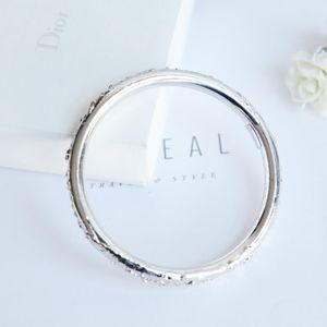 Yves Saint Laurent 伊夫·圣罗兰银光艺术手镯手环