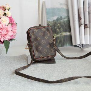 Louis Vuitton 路易.威登mini小方单肩斜跨包