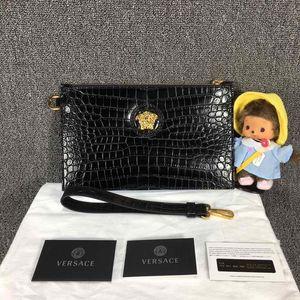 Versace 范思哲浮雕美杜莎头像黑色鳄鱼纹手拿包