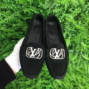 Louis Vuitton 路易·威登黑色翻毛牛皮女士平底豆豆鞋