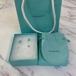 Tiffany & Co. 蒂芙尼天河石球球耳钉