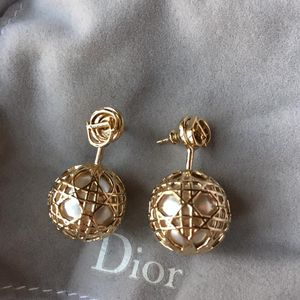 Dior 迪奥金色镂空珍珠耳钉