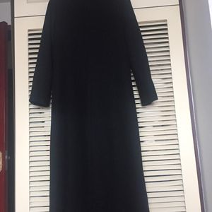 VERSUS 范瑟丝女款黑色毛领时尚大牌长大衣