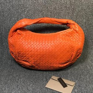 Bottega Veneta 葆蝶家女士橘红色和尚单肩包