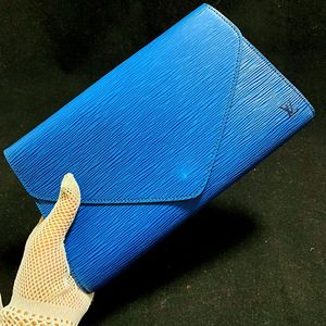 Louis Vuitton 路易·威登水波纹牛皮信封手拿包