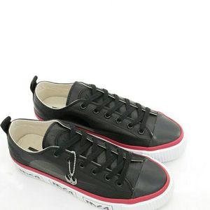 Alexander McQueen 亚历山大·麦昆男士燕子真皮低帮鞋