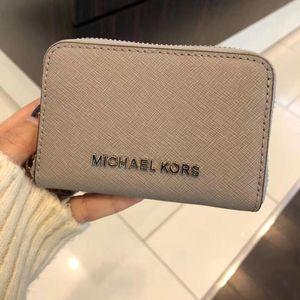 Michael kors 迈克.科尔斯灰色小零钱包