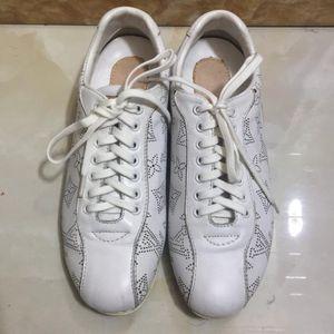 Louis Vuitton 路易·威登镂空小白休闲鞋