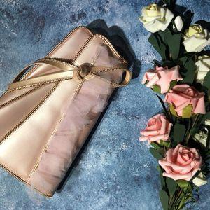 Dior 迪奥网纱拼接漆皮手拿包
