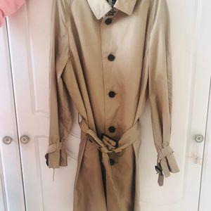 Burberry 博柏利经典色薄款风衣